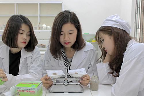 Học Văn bằng 2 Cao đẳng Dược sẽ trở thành Trình Dược viên chuyên nghiệp