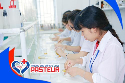 Sinh viên Cao đẳng Dược Pasteur luôn được các nhà tuyển dụng săn đón