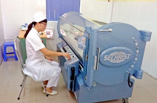 Điều trị bằng oxy cao áp