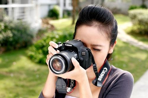 Chụp ảnh thuê là một công việc hấp dẫn của nhiều bạn trẻ
