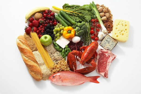 Thí sinh nên ăn uống đủ chất để có sức khỏe tốt tập trung thi cử